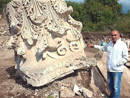 Parte de la columna del templo hallada en 2013