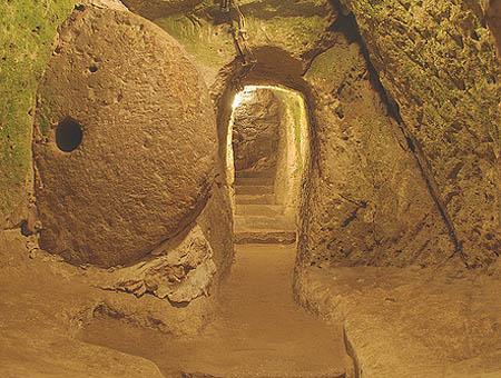 Una imagen de la ciudad subterránea de Derinkuyu, en la Capadocia