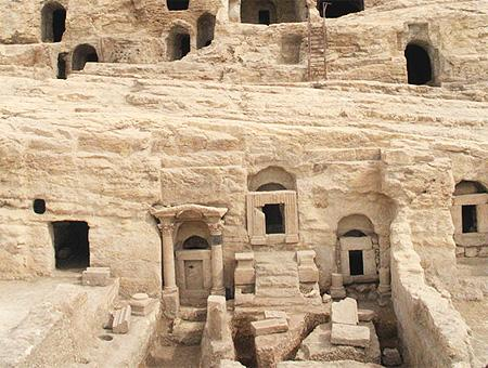 Sanliurfa cuevas tumbas kizilkoyun