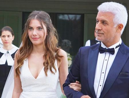 Fotograma de la serie turca ''Yasak Elma'' con los actores protagonistas Eda Ece y Talat Bulut