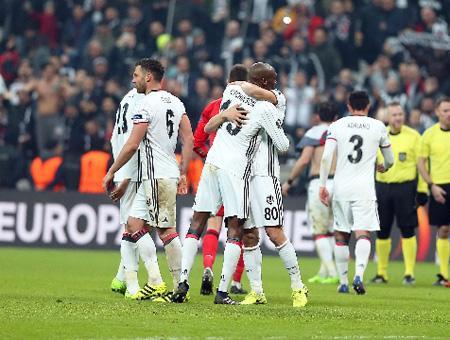 El Beşiktaş estará en los cuartos de final de la Europa League