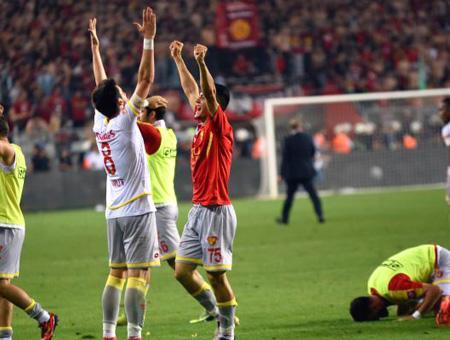 Goztepe victoria ascenso primera