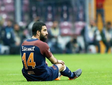 El Galatasaray vuelve a ser líder tras derrotar al Başakşehir de Arda Turan