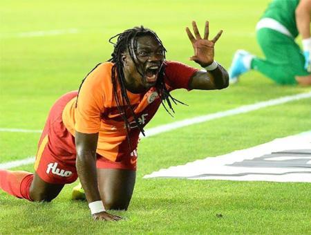 Galatasaray gomis celebracion gol