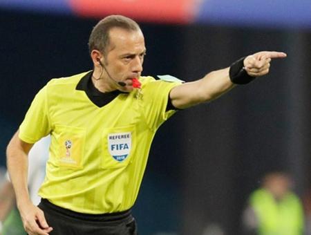 Arbitro cuneyt cakir