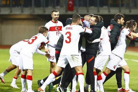 Turquia victoria clasificacion mundial qatar