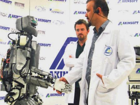 Robots humanoides empresa akinsoft