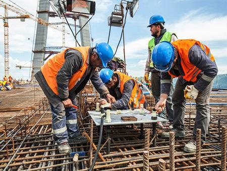 Empleo construccion puente