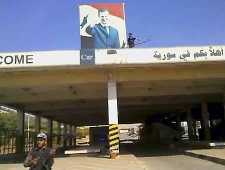 Rebeldes sirios paso fronterizo