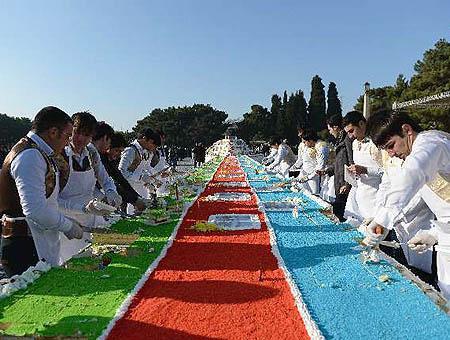 Azerbaiyan tarta gigante