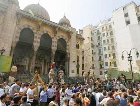 Mezquita cairo protestas