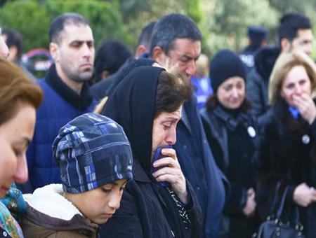 Azerbaiyan homenaje victimas xocali