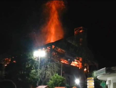 Grecia incendio mezquita didimotico