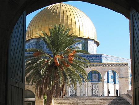 Entrada a la Explanada de las Mezquitas desde la puerta de Bab al-Qattanin, donde se produjo el incidente