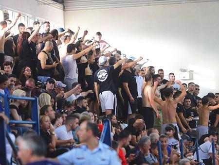 Grecia partido balonmano hinchas incidentes