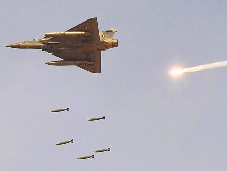 Pakistan bombardeos caza indio