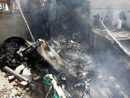 Pakistan accidente avion karachi