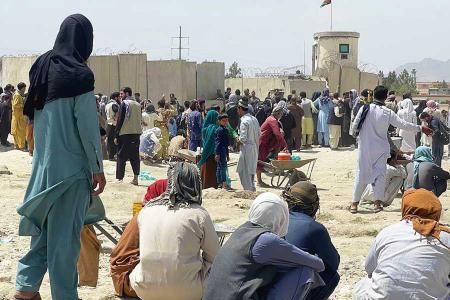 Afganistan afganos atrapados aeropuerto kabul