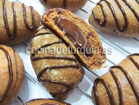 Bollos cacao rellenos chocolate