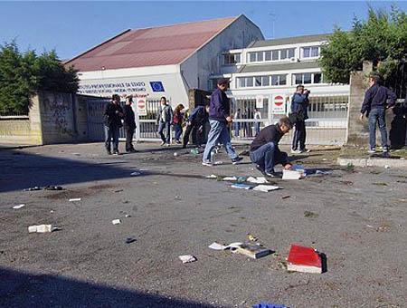 Bomba colegio italia
