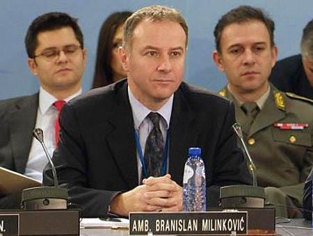 Milinkovic embajador serbio suicidio
