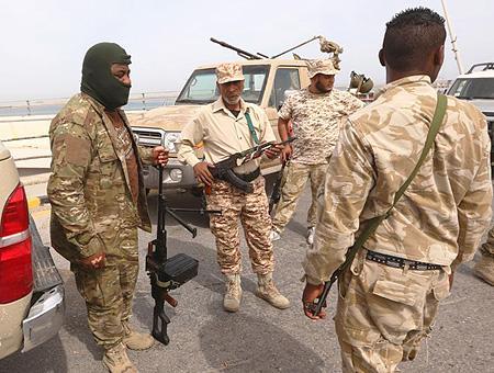 Libia hombres armados