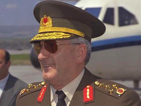 Cevik bir general 1997