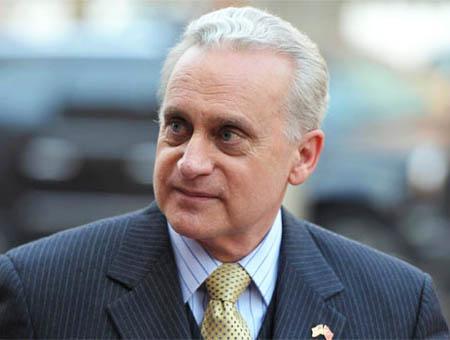 Francis ricciardione embajador eeuu