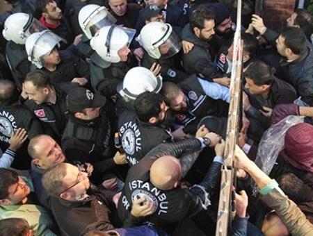 Estambul enfrentamientos policia manifestantes