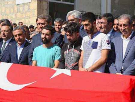 Diyarbakir funeral asesinato akp