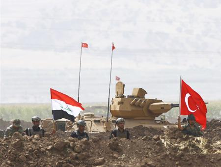 Tropas iraquíes y turcas realizan maniobras militares conjuntas en la frontera entre Turquía y el norte de Irak
