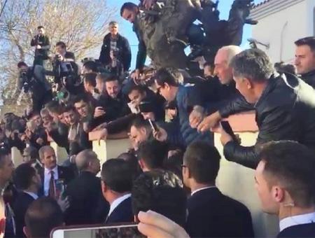 Erdoğan visita a la minoría turca en Grecia
