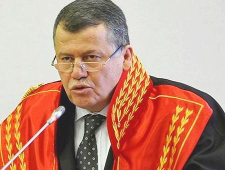 Presidente supremo rustu cirit