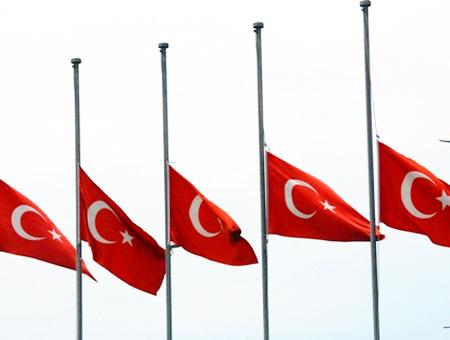 Turquia banderas luto nacional
