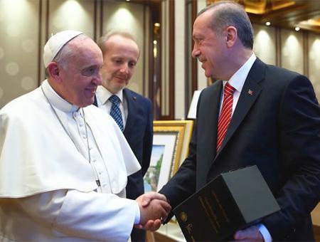 El Papa Francisco reunido con Erdoğan durante su visita a Turquía en 2014