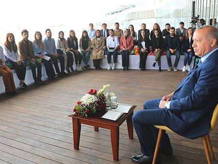 Erdogan reunion jovenes ankara