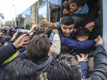 Turquia edirne refugiados autobus