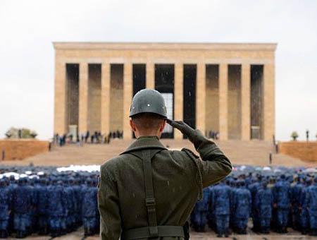 Anitkabir homenaje soldado