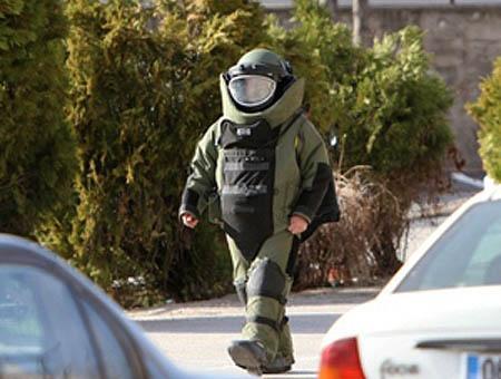 Artificieros bomba policia