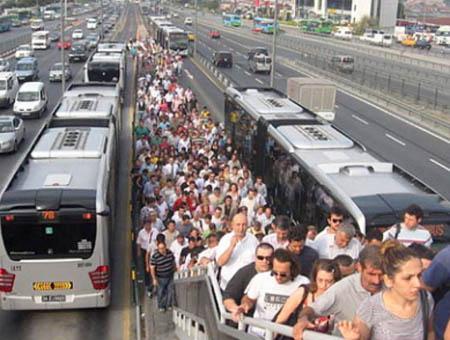 Estambul metrobus transporte