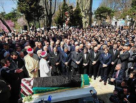 Funeral neslisah sultan