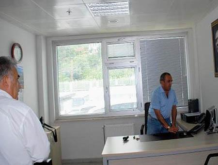 Ministro yazici funcionario