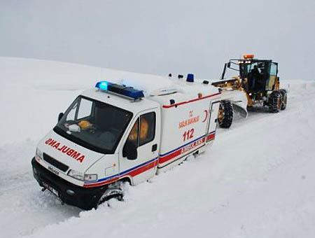 Nevadas turquia ambulancia