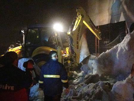 Accidente derrumbe excavadora