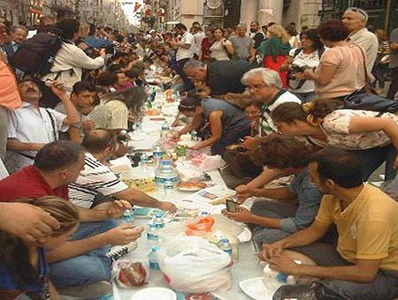 Iftar ramadan istiklal