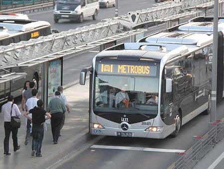 Metrobus estambul