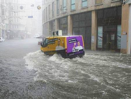 Inundaciones estambul istiklal