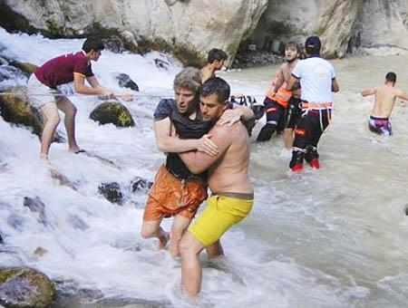 Mugla inundaciones rescate