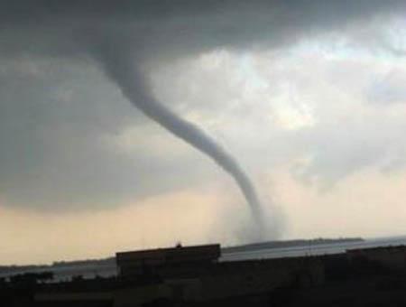 Tornado estambul turquia