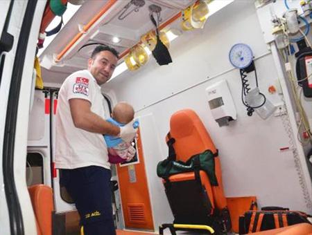 Ambulancia bebe nino